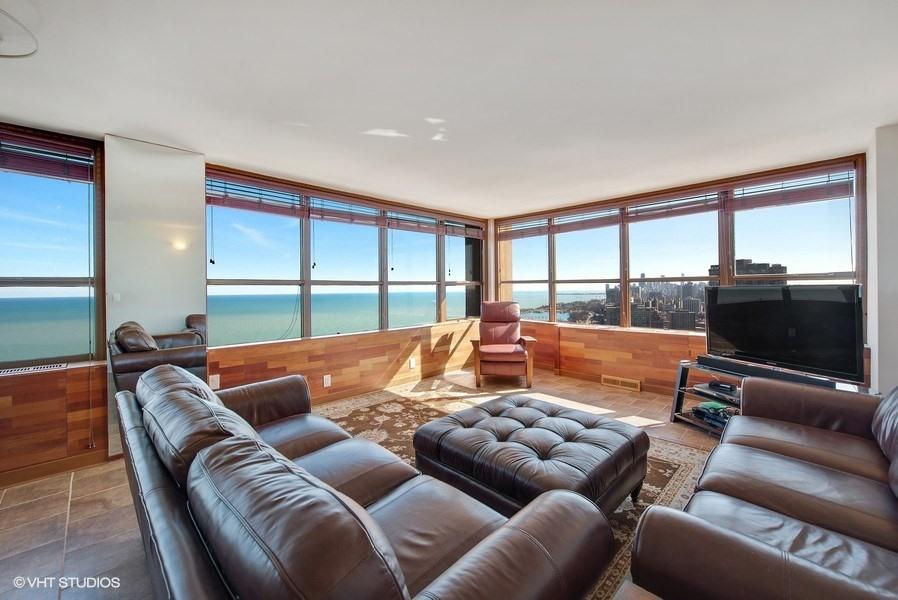655 Irving Park Unit 4101, Chicago, IL 60613 - Living Room