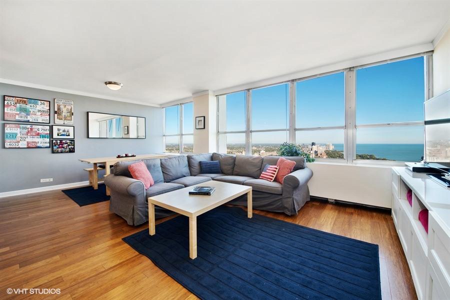 Lakeview - 655 West Irving Park Road Unit 5504, Chicago, IL 60613 - Living Room