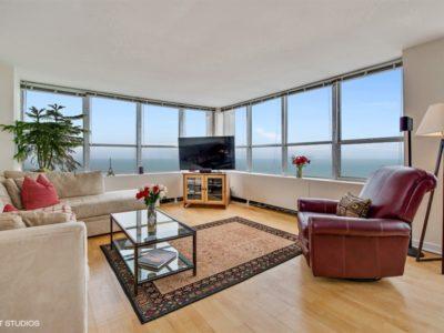 Lakeview - 655 West Irving Park Road Unit 5002, Chicago, IL 60613 - Living Room