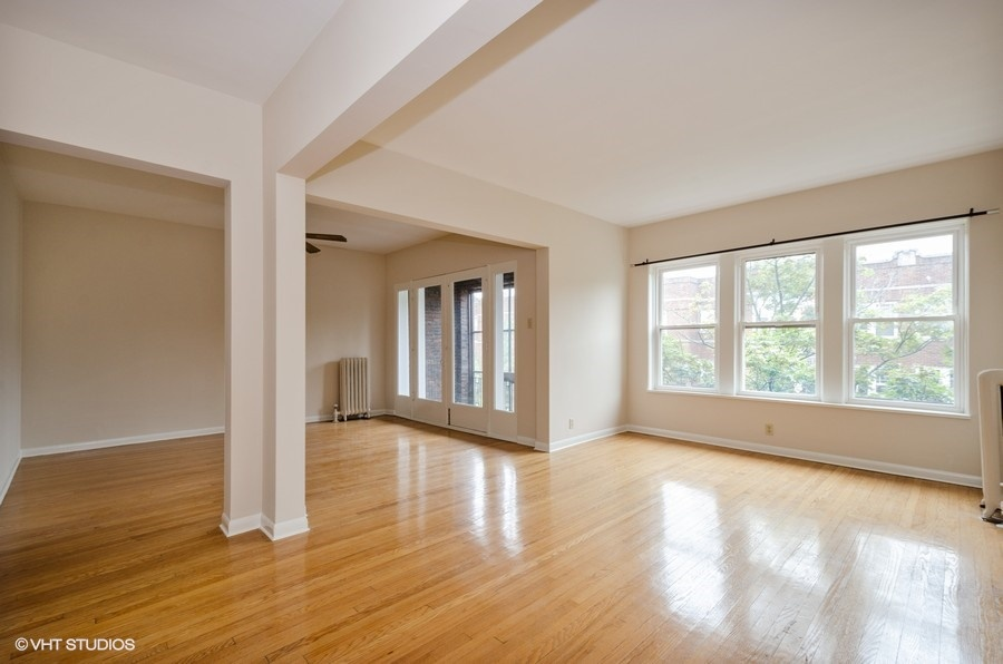 Rogers Park - 1408 West Jonquil Terrace Unit 3, Chicago, IL 60626 - Living & Dining Room